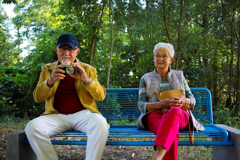 Ways to Do Good in Orange County Summer 2020 Elderly Couple on a Bench