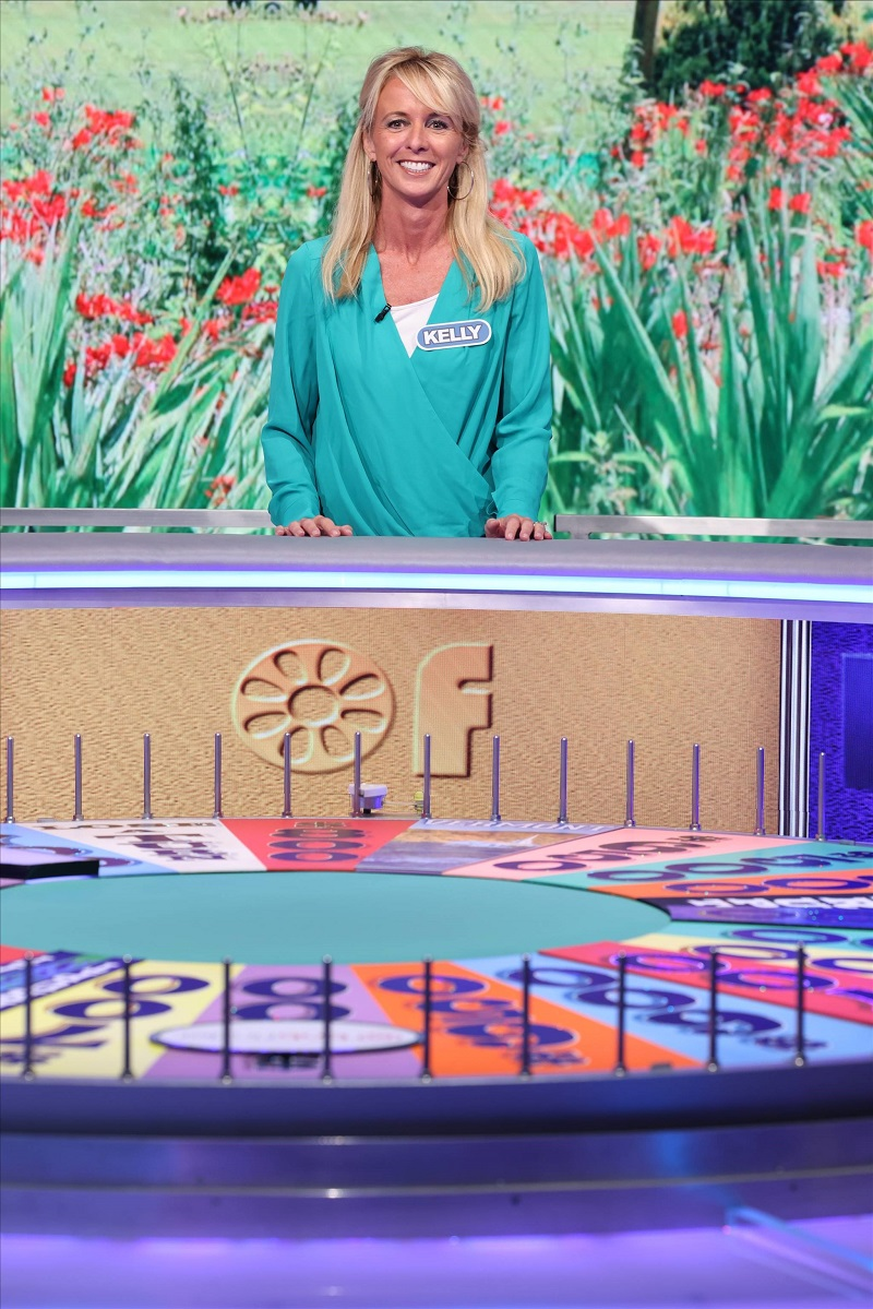 Good in Deed on Wheel of Fortune Kelly Behind the Wheel